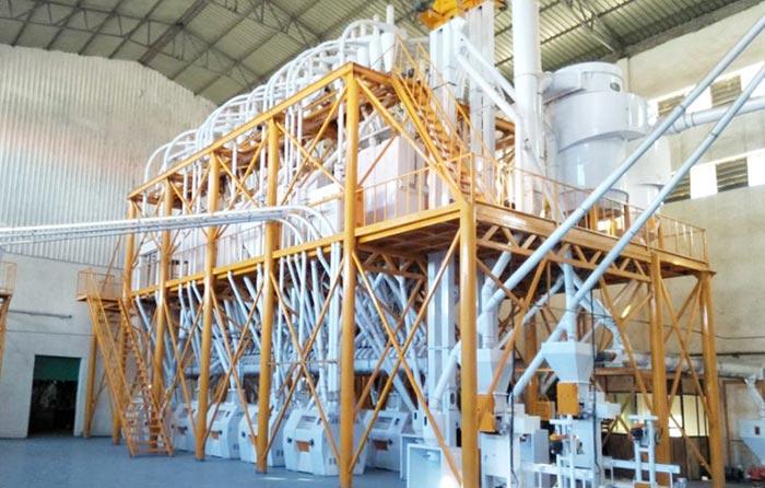 Conjuntos completos de equipamentos com estrutura metálica